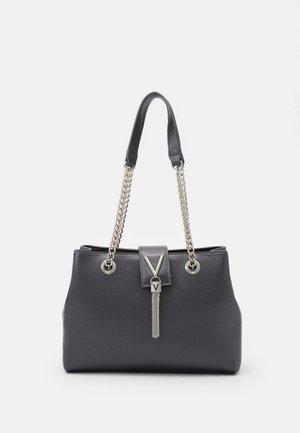 DIVINA - Handbag - cannafucil