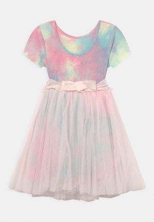IVY DRESS UP DRESS - Jersey dress - crystal pink/rainbow