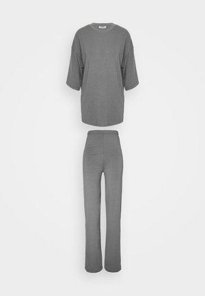 WIDE LEG TROUSER SET - Trousers - grey