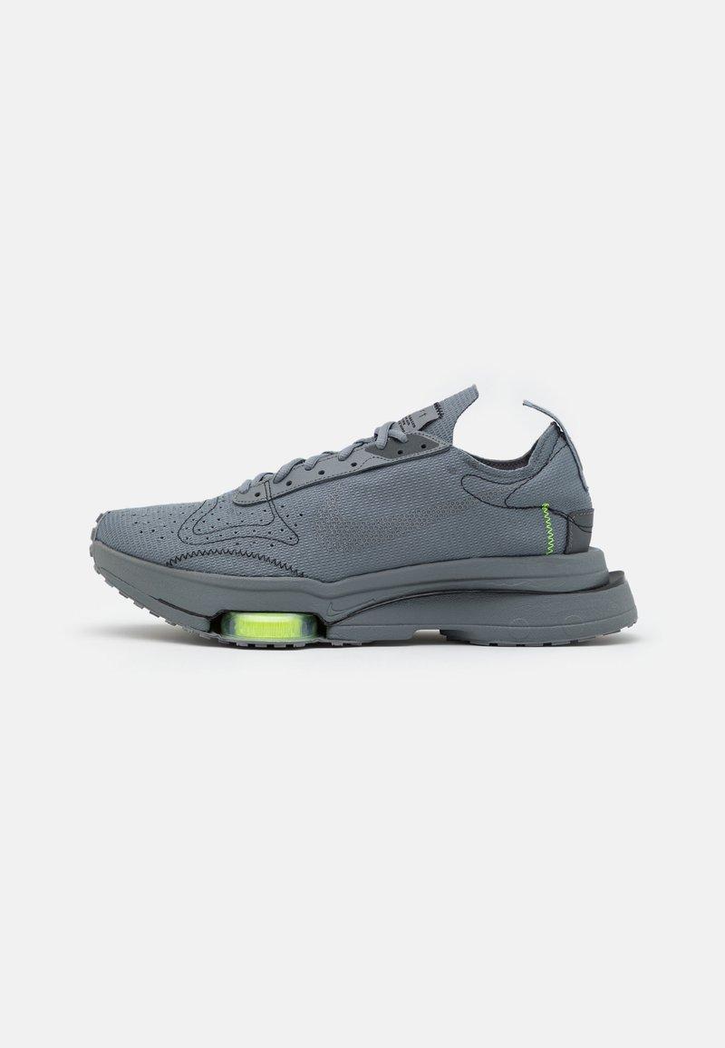 Nike Sportswear - AIR ZOOM TYPE UNISEX - Sneakers basse - smoke grey/dark grey/volt/black
