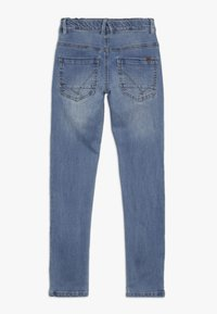 Name it - NKMTHEO PANT - Džíny Slim Fit - light blue denim - 1