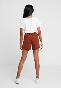 ONLY - ONLTURNER PAPER BAG  - Shorts - russet brown - 2