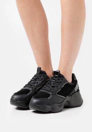 CHUNKY - Sneakers laag - black