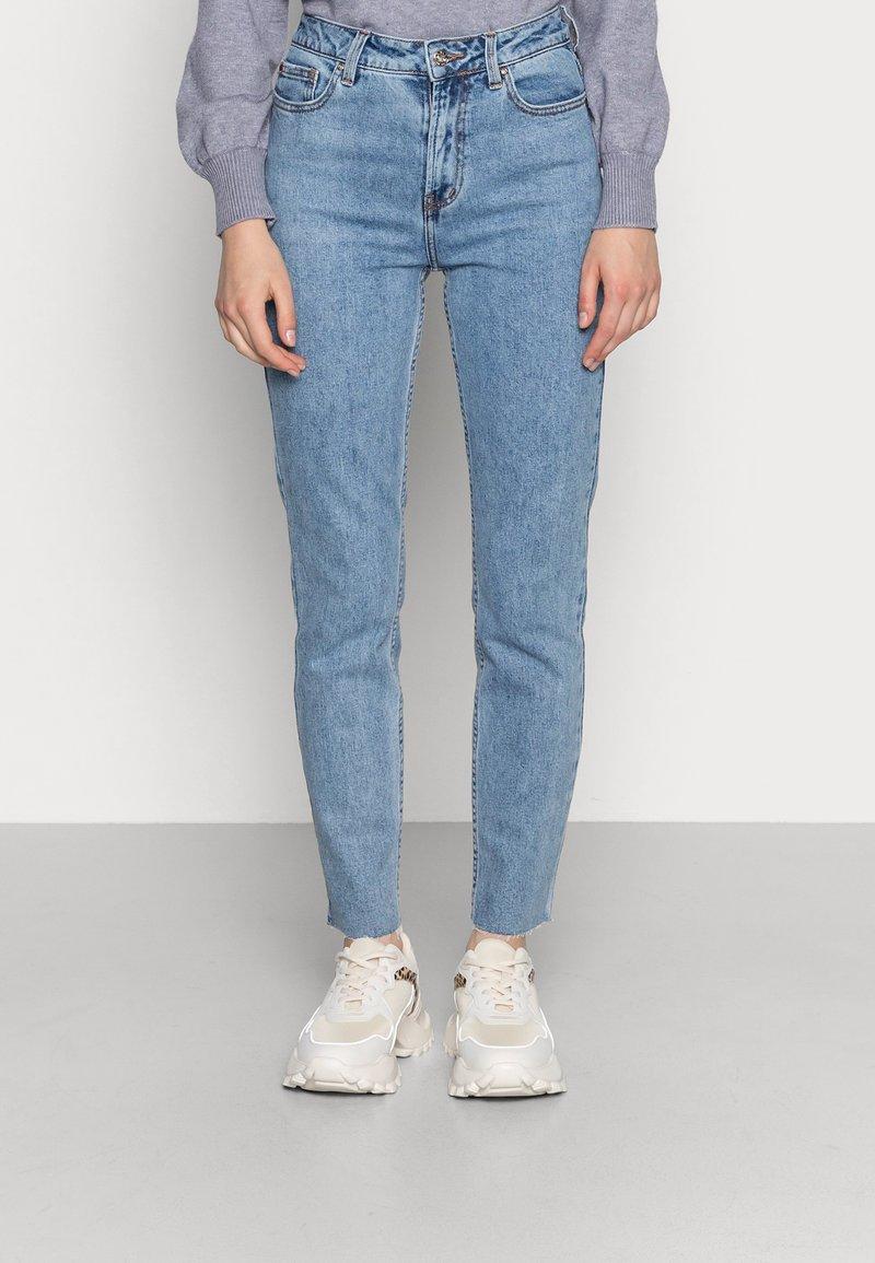 ONLY - ONLEMILY RAW MAE - Straight leg jeans - light blue denim