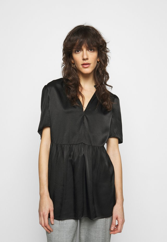CRISTARIA - Print T-shirt - black