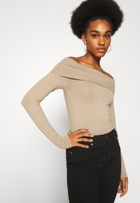 Vero Moda - VMPANDA OFF SHOULDER - Long sleeved top - silver mink - 4