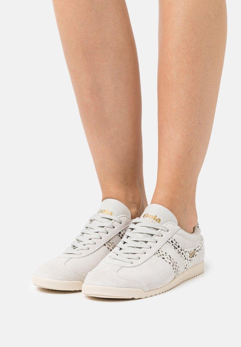 Gola - BULLET SAFARI - Sneakersy niskie - offwhite