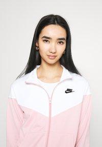 Nike Sportswear - TRACK SUIT SET - Zip-up hoodie - pink glaze/white - 3