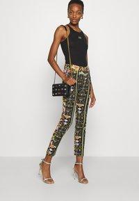 Versace Jeans Couture - JEWELS CROSSBODY - Across body bag - nero - 3