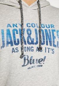 Jack & Jones - PRINT  - Hoodie - cool grey/melange - 5
