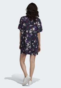 adidas Originals - BELLISTA SPORTS INSPIRED LOOSE DRESS - Sukienka z dżerseju - multicolor - 3