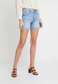 edc by Esprit - Jeans Shorts - blue light wash - 0