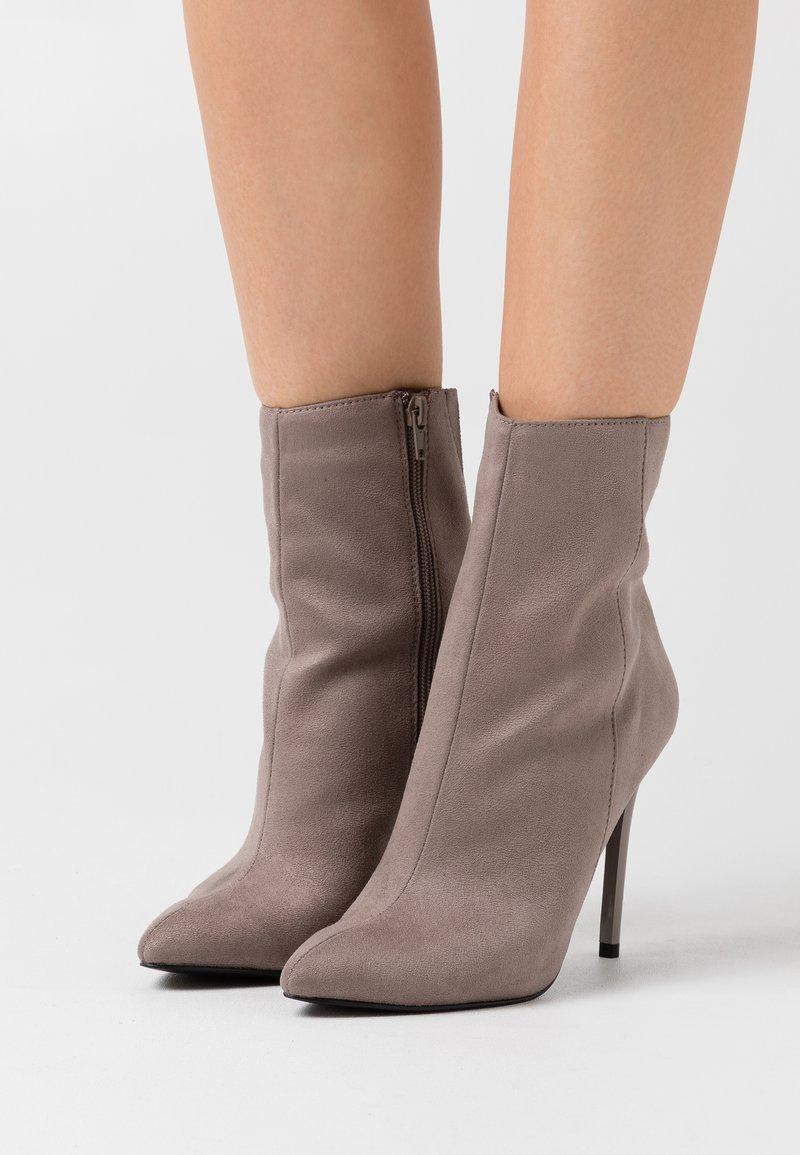 Even&Odd - Kotníková obuv na vysokém podpatku - grey