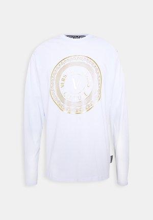 LOGO - Langærmede T-shirts - white/gold