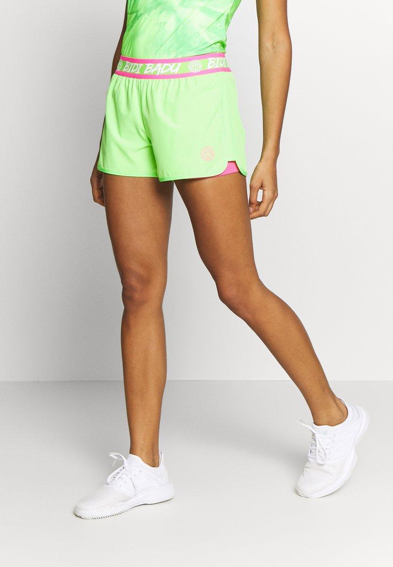 BIDI BADU - RAVEN TECH SHORTS - Sportovní kraťasy - neon green/pink