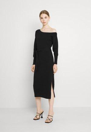 ISSEY SELF TIE BELT DRESS - Jumper dress - black