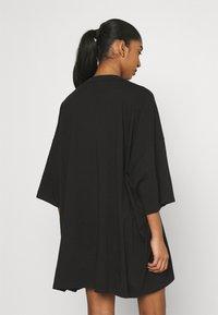 Puma - CLASSICS TEE DRESS - Vestito di maglina - black - 2