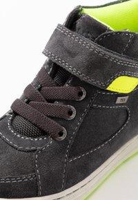 Lurchi - BARNEY-TEX - Sneaker high - charcoal/neon yellow - 5