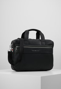 Tommy Hilfiger - NOVELTY MIX WORKBAG - Aktovka - black - 0