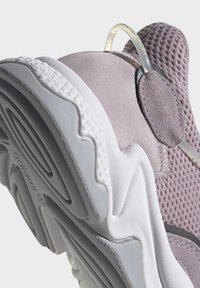 adidas Originals - OZWEEGO SHOES - Trainers - purple - 7