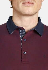 Charles Colby - EARL FANCES - Polo shirt - dark red - 2
