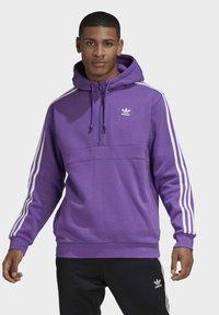 adidas Originals - STRIPES HOODIE - Mikina skapucí - purple - 0