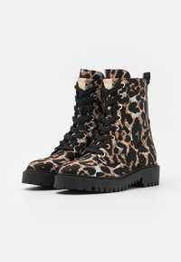 Guess - OLINIA - Lace-up ankle boots - multicolor - 2