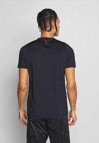 Under Armour - RUSH FITTED  - T-shirt basique - black - 2