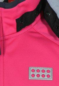 LEGO Wear - SKY UNISEX - Soft shell jacket - pink - 2