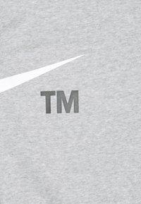 Nike Sportswear - PANT - Pantalones deportivos - grey heather/whtie - 2