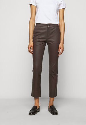 LEYA - Leather trousers - chocolate plum
