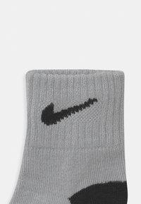 Nike Sportswear - TODDLER 6 PACK - Socks - black/wolf grey - 2