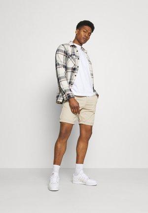 JJIDAVE 2 PACK - Shorts - white pepper