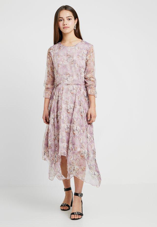 FLORAL HANKEY DRESS - Maxi šaty - lilac