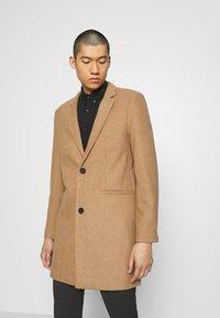 Only & Sons - ONSMAXIMUS COAT - Classic coat - camel - 0