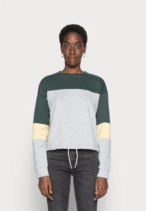 ONLINC EVERY STRING O NECK BLOCK - Sweatshirt - light grey melange/straw/mallard green