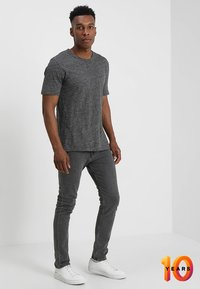 Calvin Klein Jeans - 016 SKINNY - Skinny džíny - copenhagen grey - 1