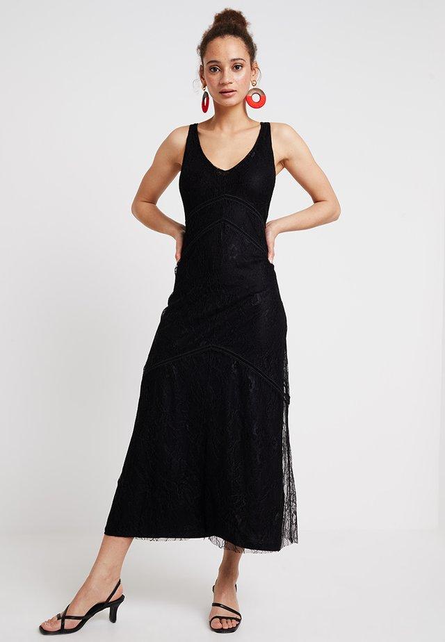 LAMAR - Společenské šaty - black