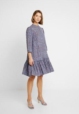 YASNEELA DRESS - Košilové šaty - light blue