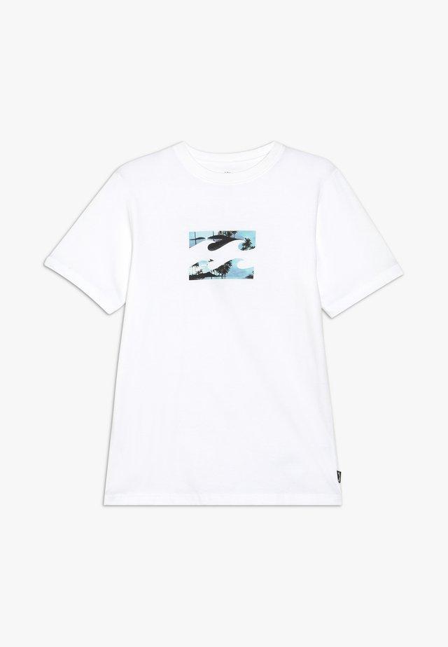 TEAM WAVE BOY - Printtipaita - white