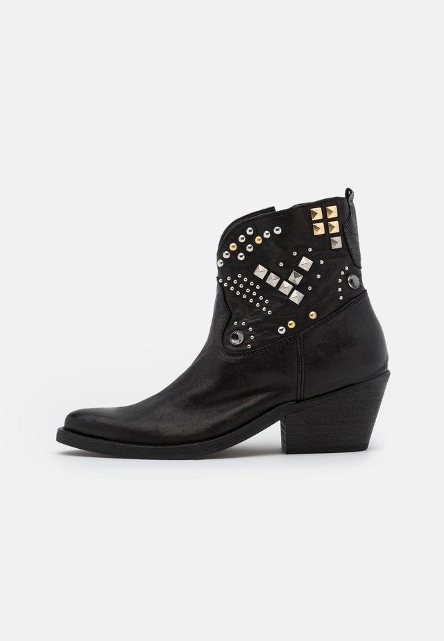 PEAK KLEIN - Cowboy/biker ankle boot - black