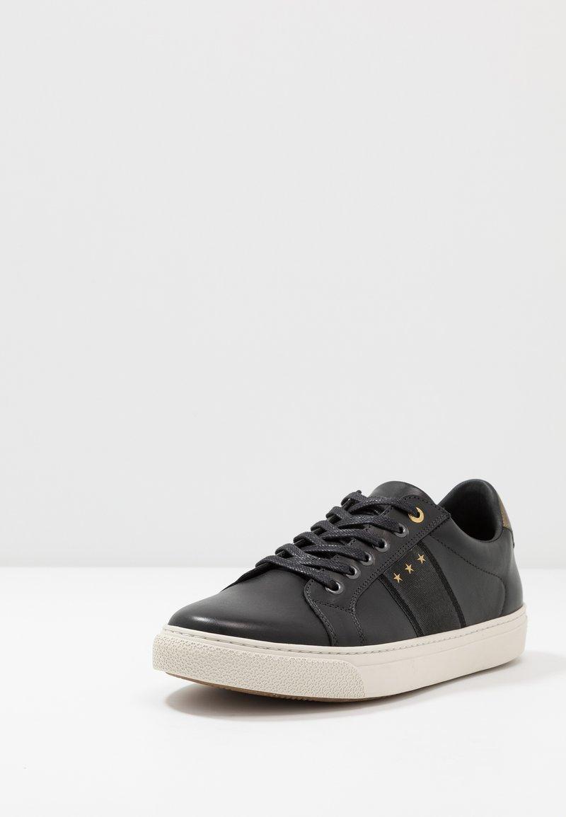 Manchester Pantofola d'Oro NAPOLI UOMO  Matalavartiset tennarit  black sVVAs