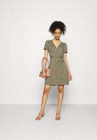GAP - WRAP DRESS - Jersey dress - green - 1