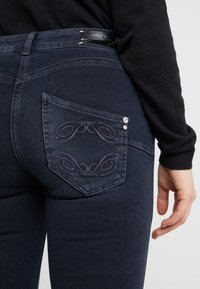 Patrizia Pepe - Jeans Skinny Fit - blue black wash - 4
