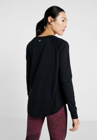Cotton On Body - ACTIVE LONGSLEEVE  - Long sleeved top - black - 2