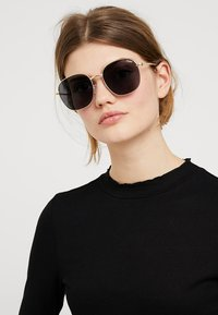 QUAY AUSTRALIA - JEZABELL - Sunglasses - gold-coloured - 1