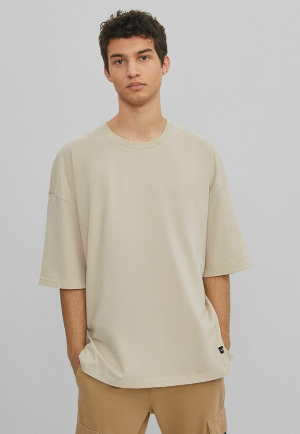 Bershka T-shirt basic - beige/beżowy Odzież Męska DWCF