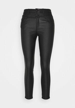 ONLCHRISSY LIFE  - Jeans Skinny - black