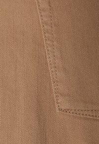 BLANCHE - AVELON - Straight leg jeans - toasted - 2