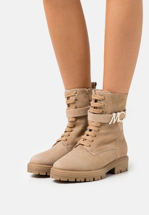 Lace-up ankle boots - classic sand